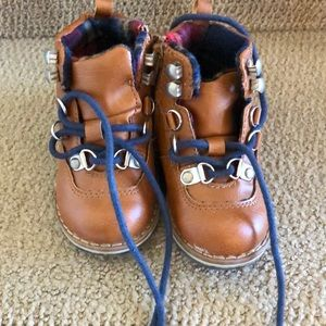 Gap boots size 6 toddler